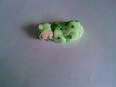 Figurine bébé (fille ou garçon) grenouille verte